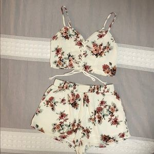 ILLA ILLA Crop and Short Set